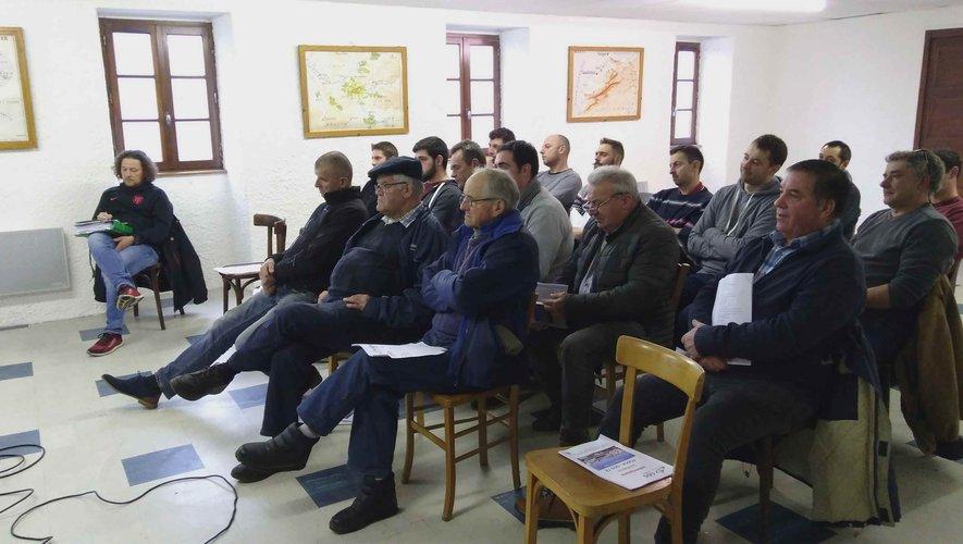 Les éleveurs lors de la réunion d'information sanitaire.