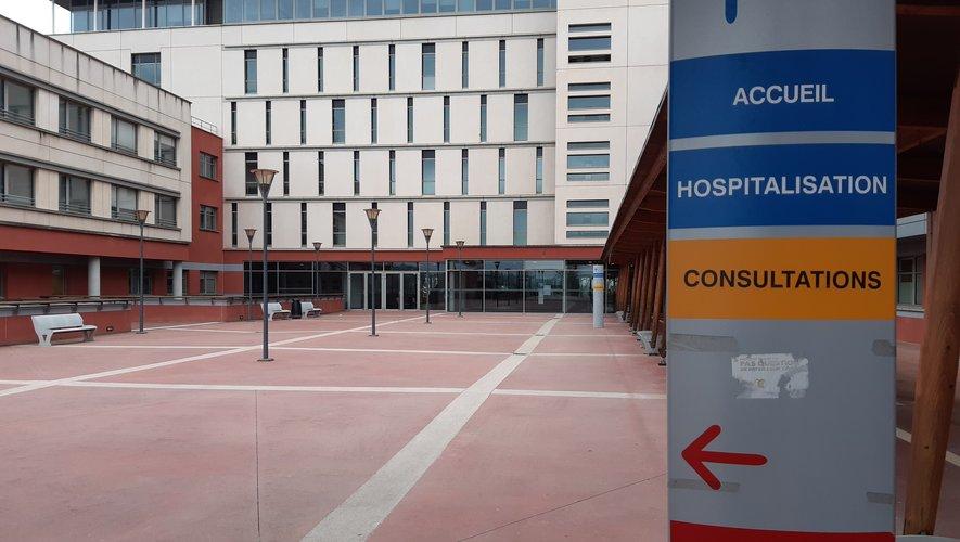 Une personne suspectée est toujours hospitalisée au CH de Rodez, ce vendredi soir.
