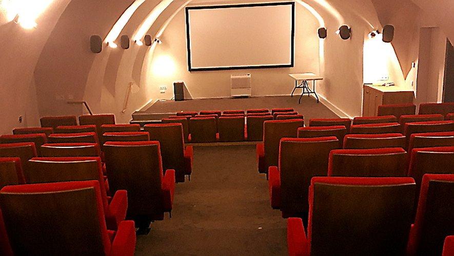 La salle de cinéma du Grenier de Monsieur compte 90 places.