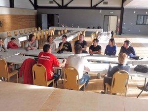 Le comité des fêtes en train de plancher sur la préparation de la fête.
