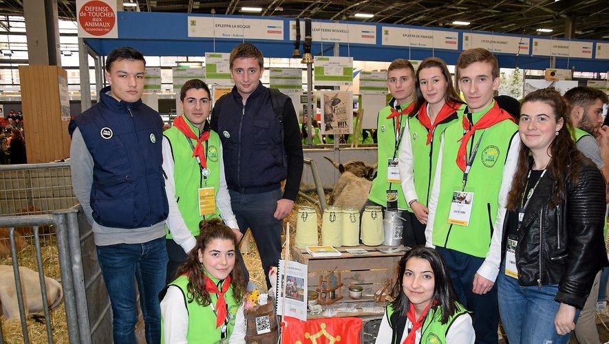 Une nouvelle délégation d'élèves du lycée La Roque participe pour la troisième année consécutive au Salon de l'agriculture et à son trophée des meilleurs établissements de France.