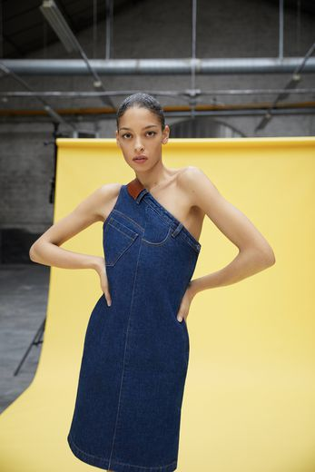 Andrea Crews et Claudie Pierlot co-créent une collection pour le printemps.