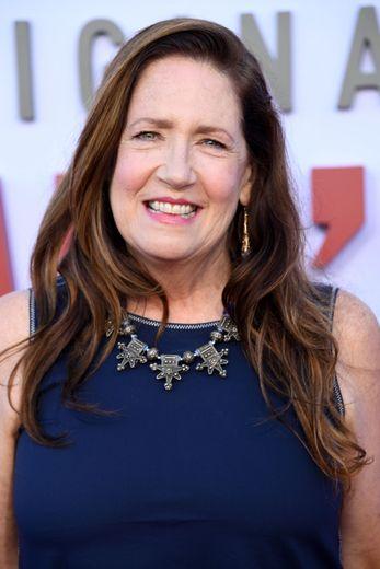 """Ann Dowd sera à l'affiche de """"Rebecca"""", l'adaptation du roman de Daphne du Maurier attendu sur Netflix dans le courant de l'année."""