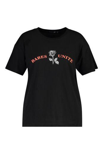 Un des T-shirts proposés par boohoo pour la Journée international des droits des femmes.