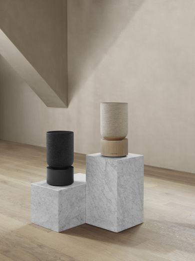 Bang & Olufsen présente Beosound Balance, sa toute nouvelle enceinte sans fil.