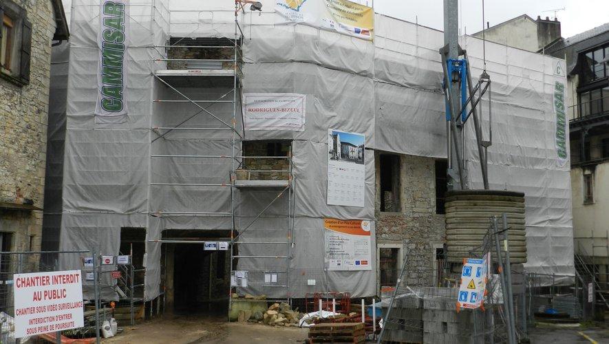 Le chantier du pôle culturel, qui s'appellera La Parenthèse,  a redémarré.