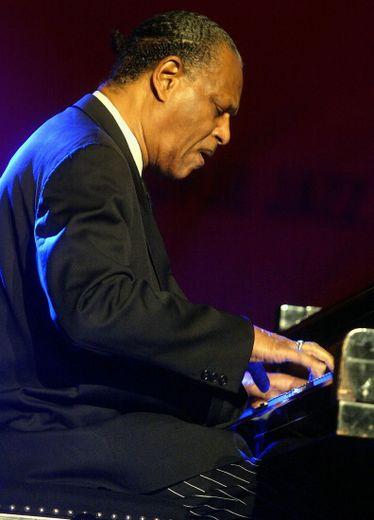Comptant parmi les pianistes de jazz les plus respectés de l'histoire, dans la lignée de Herbie Hancock, Bill Evans ou Chick Corea, McCoy Tyner est considéré comme ayant façonné la trajectoire du piano jazz moderne.