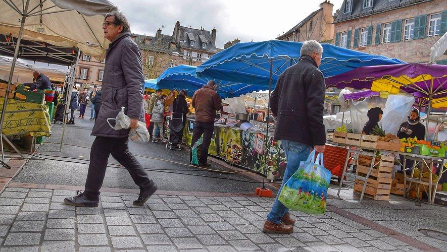 Samedi sur le marché de Rodez, tout le monde n'avait qu'un mot à la bouche : le coronavirus.