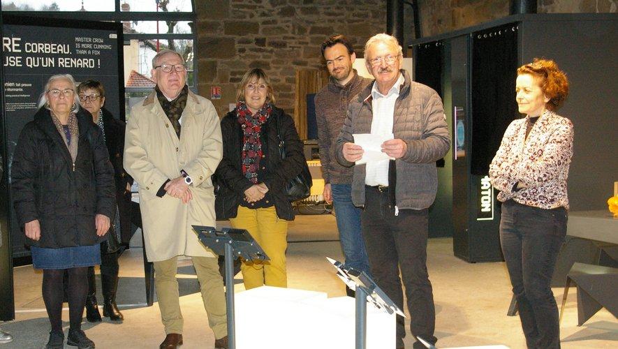Roland Joffre entouré d'élus et de Matthieu Communeau a inauguré l'exposition.
