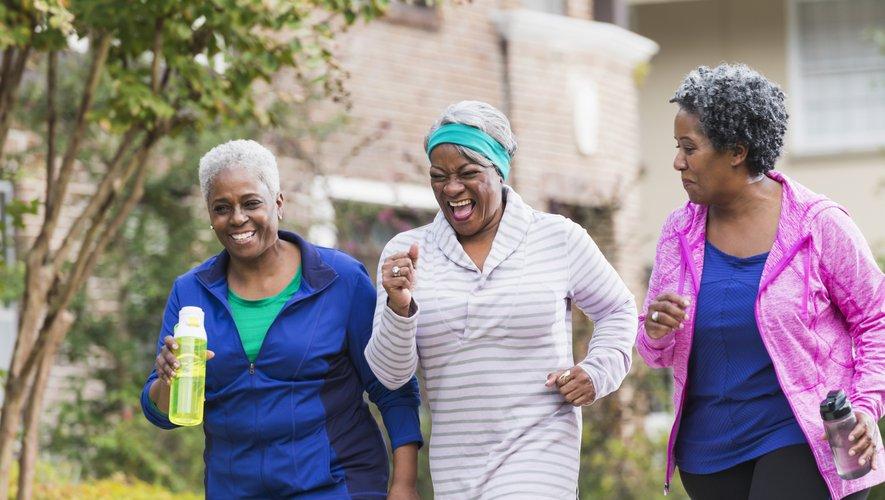 Augmenter les séances de marche après 40 ans permettrait d'abaisser son risque d'hypertension, de diabète et d'obésité, à en croire une nouvelle étude américaine.