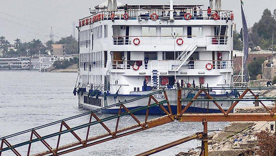 Le bateau sur lequel sont confinés les touristes naviguait entre Assouan et Louxor.