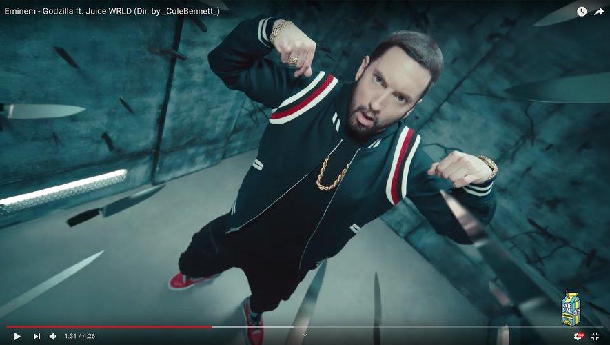 CAPTION: Eminem - Godzilla ft. Juice WRLD (Dir. by _ColeBennett_) on Youtube