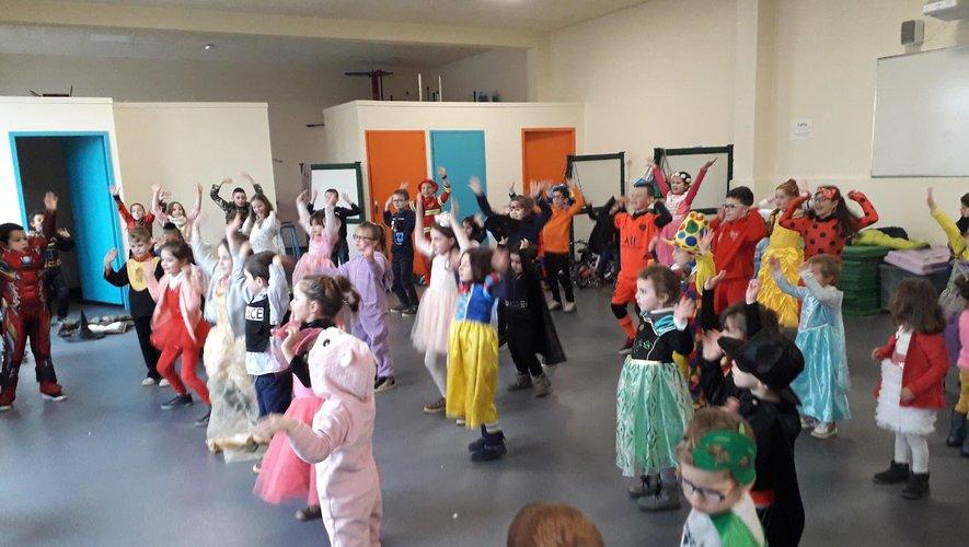 Carnaval  fêté par les enfants de l'ensemble scolaire Notre-Dame