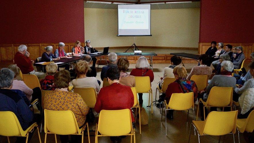 Les adhérents du foyer rural à l'écoute lors de l'assemblée générale.
