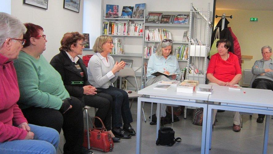 Des livres très intéressants ont été présentés à l'assistance.