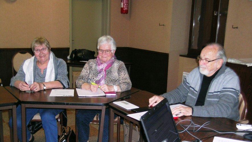 Michel Raffi et les deux partantes Nadine Canitrot et Colette Regourd.