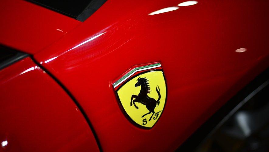 Ferrari a annoncé la suspension pour deux semaines de sa production dans ses usines de Maranello et Modène.
