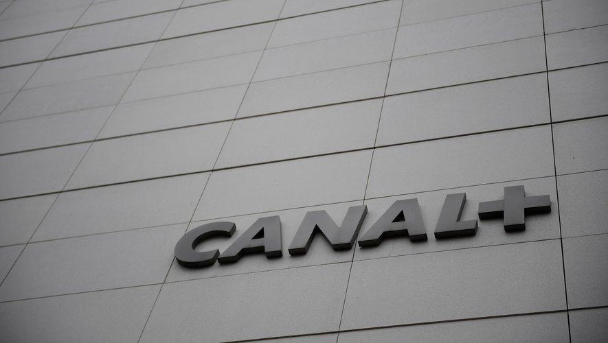 Canal+ passe ses programmes en clair pour tout le monde, sur l'ensemble des box, le temps de la crise, a annoncé son patron.