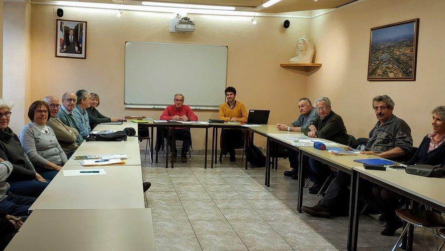 Bernard Vidal a ses coéquipierslors de la réunion du 10 mars.