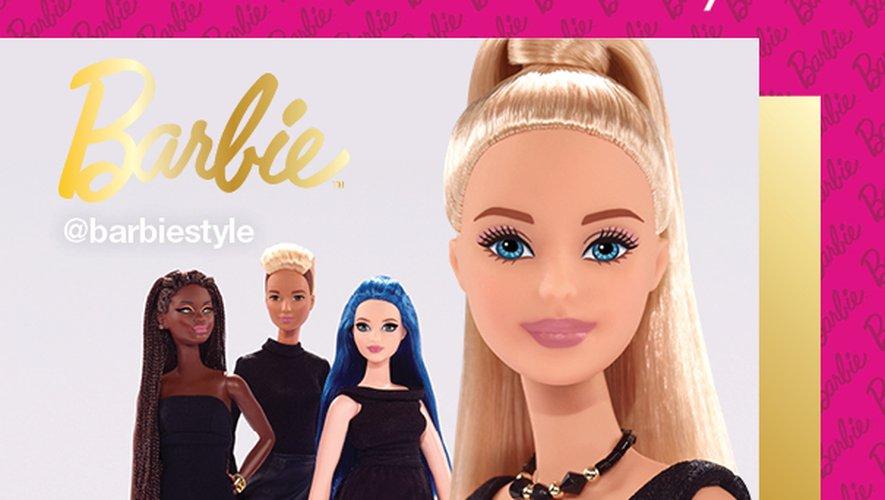 Barbie s'associe à M.A.C Cosmetics pour le création d'une teinte de rouge à lèvres.