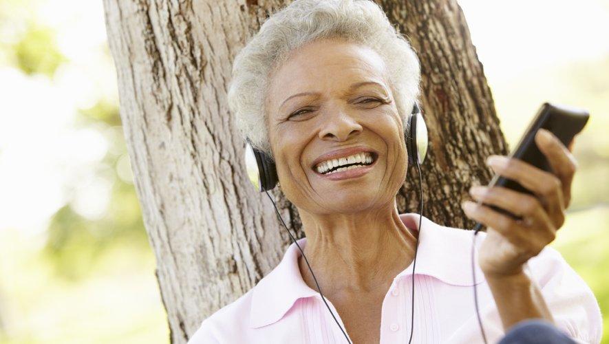 Ecouter de la musique chaque jour après une attaque cardiaque permettrait de réduire la douleur ressentie et de prévenir d'autres troubles, à en croire une nouvelle étude.