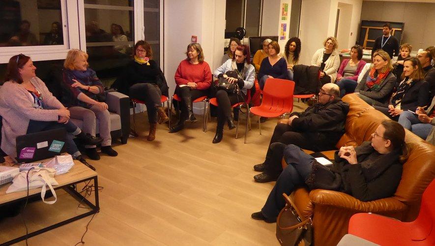 Les participants à cette rencontre organisée par la MJC et le RAM.