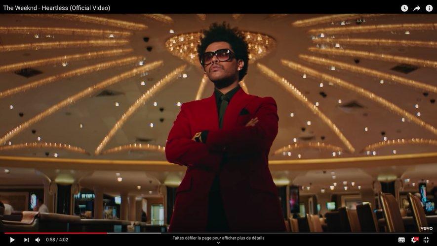 """The Weeknd dans la clip de """"Heartless"""""""
