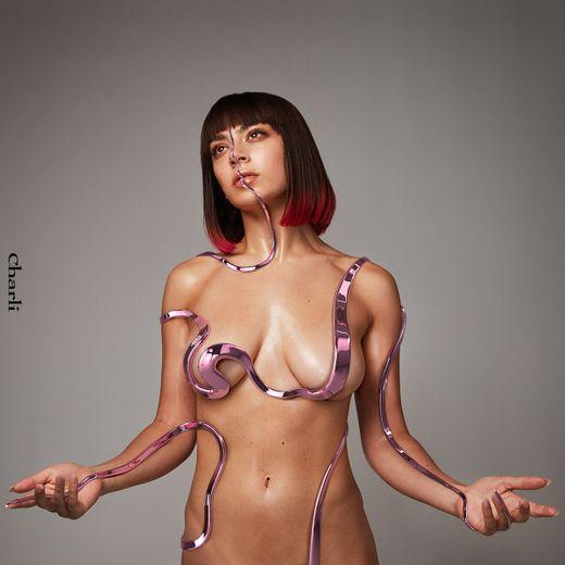 """""""Charli"""", le troisième album de Charli XCX, est sorti en septembre dernier"""