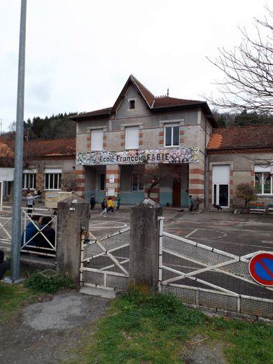 L'accueil a lieu à l'école Saint-Michel. / Photo archive
