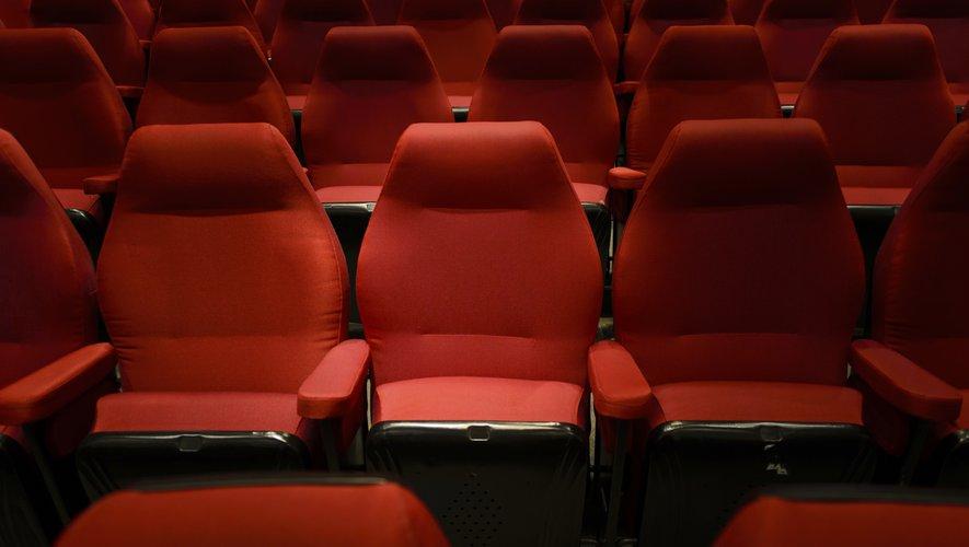 Le gouvernement français a ordonné la fermeture des cinémas en France dès le samedi 14 mars à minuit due à la pandémie de Covid-19.