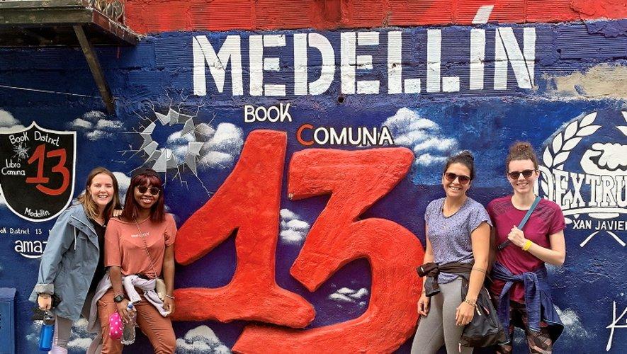 Les quatre copines dans la ville colombienne de Medellín.