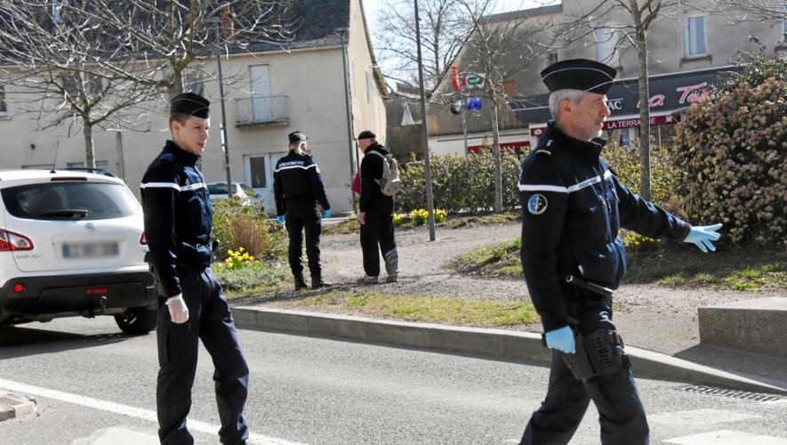 Un contrôle d'attestation par les gendarmes aveyronnais.