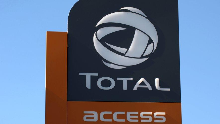 Total a annoncé lundi la mise à disposition de bons d'essence pour les personnels soignants hospitaliers