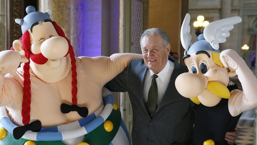 Le dessinateur Albert Uderzo, créateur avec René Goscinny du personnage d'Astérix, est décédé mardi à l'âge de 92 ans
