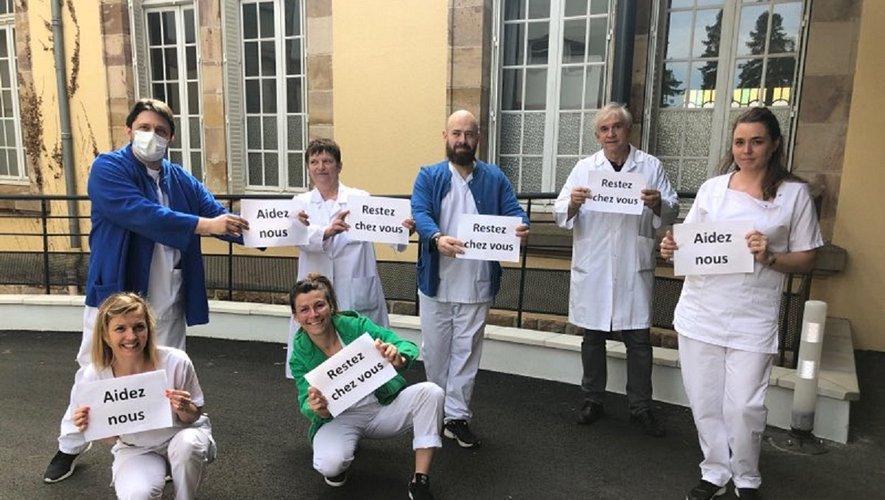 """""""Restez chez vous, aidez nous, sauvez des vies"""" : le message du personnel soignant de l'hôpital Sainte-Marie."""