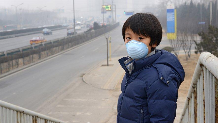 Parmi les cas signalés en dehors du Hubei, 515 cas avaient des antécédents de voyage connus à Wuhan et une date d'apparition des symptômes avant le 31 janvier 2020, contre seulement 39 après le 31 janvier.
