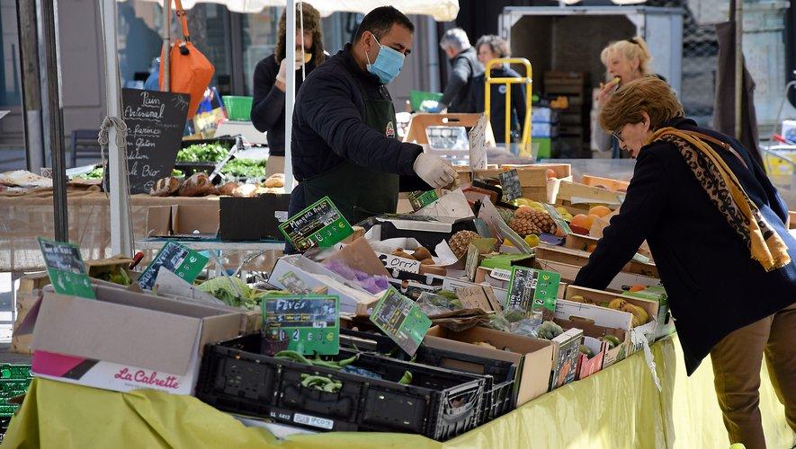Les commerçants continuent  à s'organiser pour continuer d'exercer malgré les mesures.