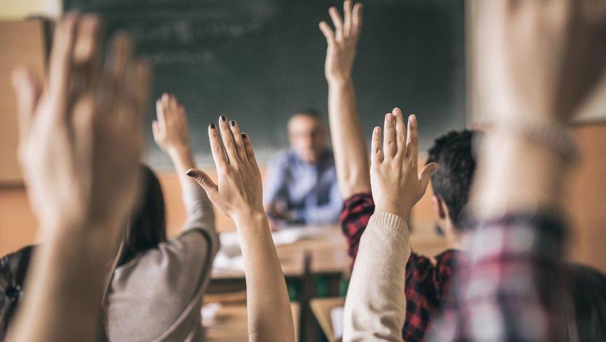 """RMC Story lance mercredi """"Les cancres"""", nouveau concept d'émission dans lequel des personnalités naguère fâchées avec l'école rencontrent des lycéens en situation d'échec scolaire"""