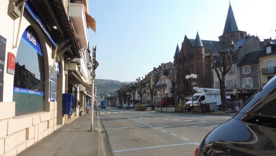 Le boulevard Joseph-Poulenc, artère principale de la ville.