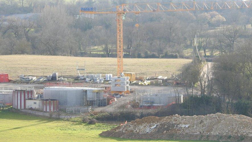 Des chantiers multiples, tels que la nouvelle station d'épuration de Lioujas, attestent du dynamisme de la Communauté de Communes Comtal Lot Truyère.