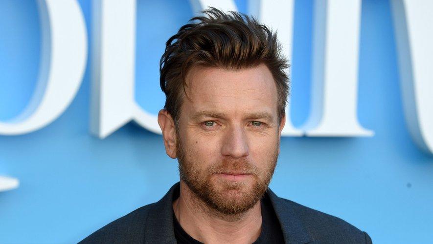 """Ewan McGregor a joué le rôle du célèbre Jedi Obi-Wan Kenobi dès 1999 """"Star Wars, épisode I : La Menace fantôme"""", puis dans """"Star Wars, épisode II : L'Attaque des clones"""" en 2002 et dans """"Star Wars, épisode III : La Revanche des Sith"""" en 2005."""