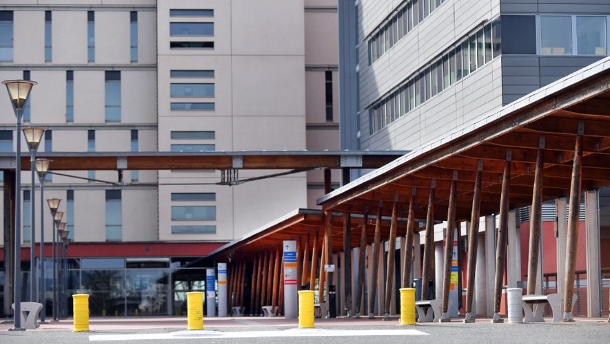 Pour l'instant, les hôpitaux de la région (ici Rodez) tiennent le choc.