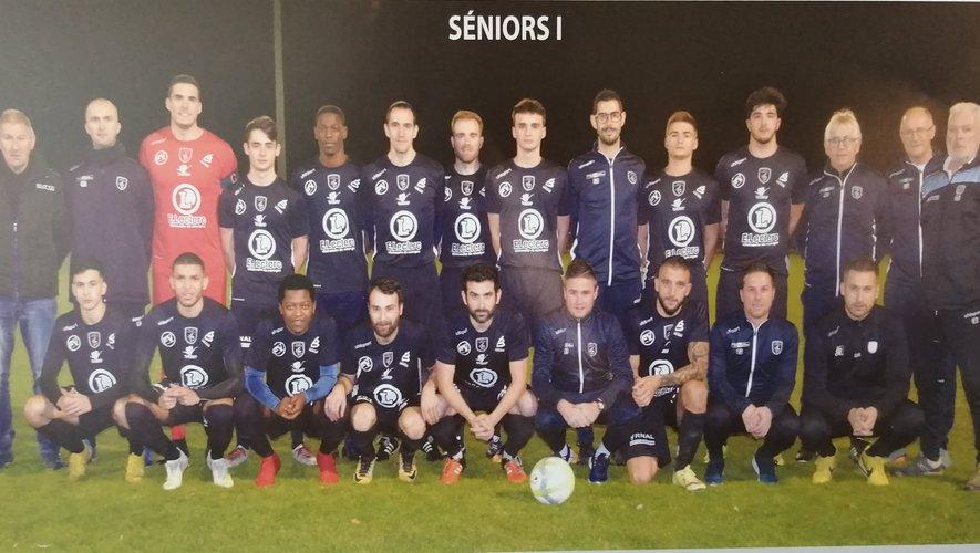 Les deux équipes seniors du Stade villefranchois football.