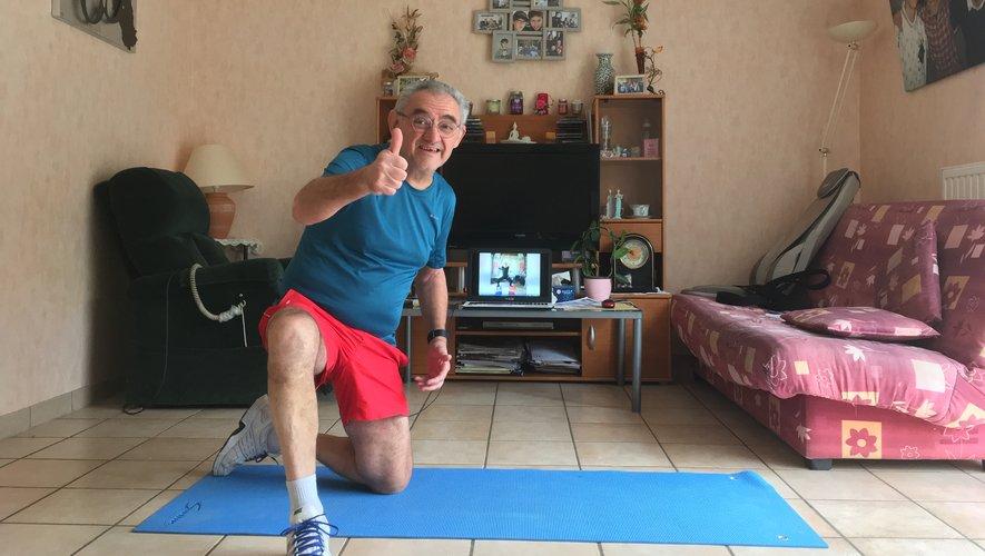 Roland Girbal met en ligne des séances d'exercices physiques.