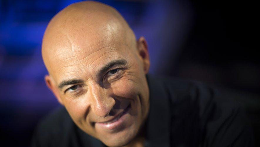 Nicolas Canteloup va faire son retour sur TF1 lundi soir, dans une émission tournée de chez lui, a annoncé la chaîne.