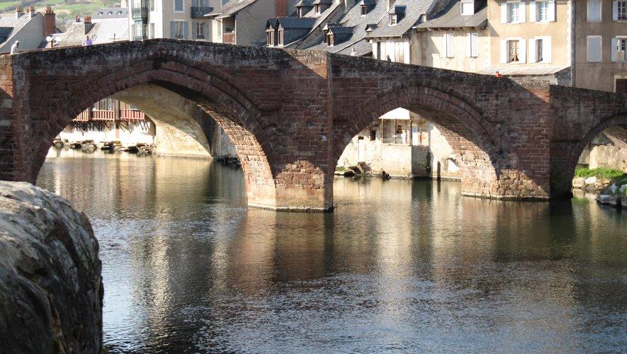 Ce pont est bien le monument emblématique de la ville.