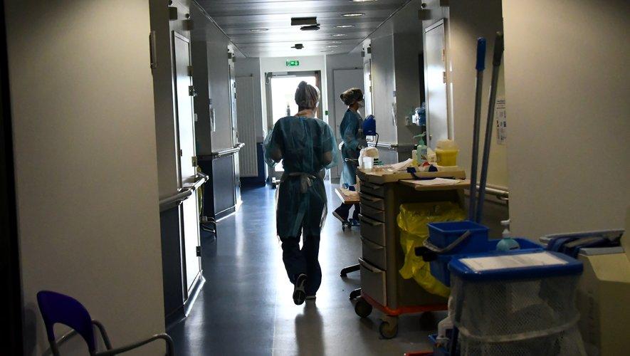 L'unité à haute densité virale recevant les patients atteints du Covid-19, lundi à l'hôpital de Rodez.