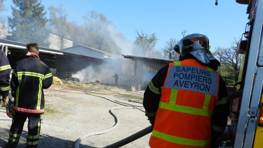 Les sapeurs pompiers  ont protégé les bâtiments  proches du sinistre.