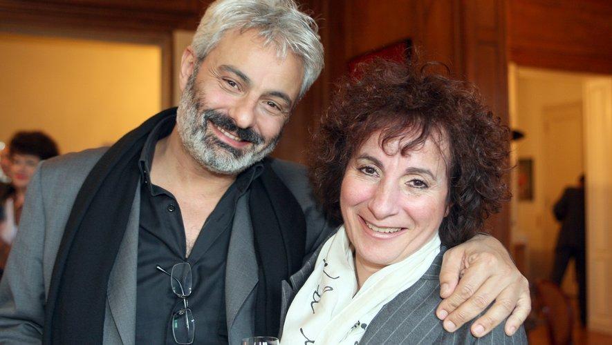 Marie-Paule Belle (à droite) avec le chanteur Gerard Berliner.