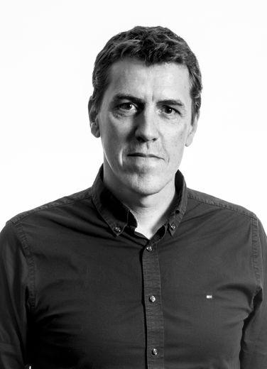 Originaire de Millau, âgé de 56 ans, Jean-Rémy Bergounhe a créé sa première société, Socofal Technilat, en 1984. Il est aujourd'hui à la tête du groupe Finadorm qui pèse 100 M€ de chiffre d'affaires et emploie plus de 700 personnes